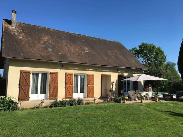 Maison en Périgord avec piscine privée et chauffée