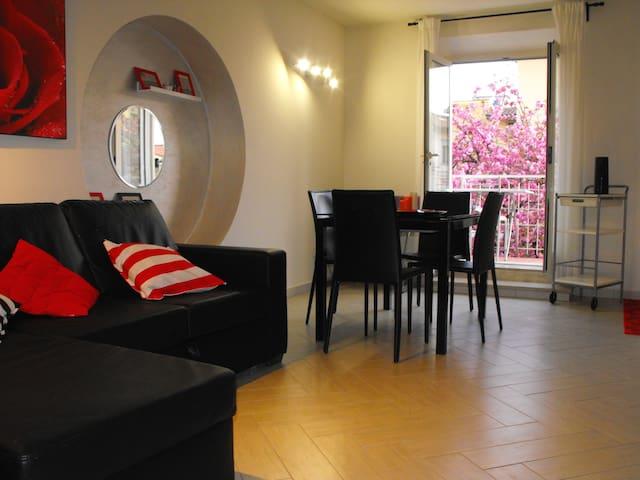 CASA DELLE TERME IN PIAZZA - Monsummano Terme - Lägenhet