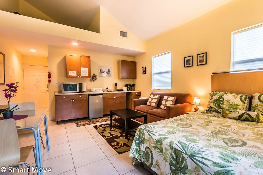 charming spacious studio kitchenette apartments for rent in fort lauderdale florida united. Black Bedroom Furniture Sets. Home Design Ideas