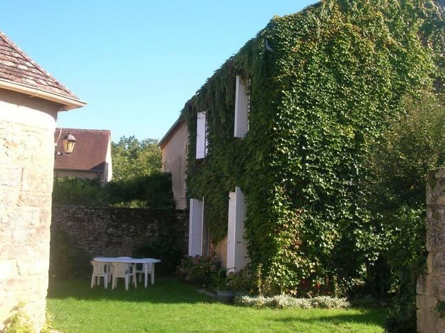 Gites de la truffière de Pechalifour (2 houses)