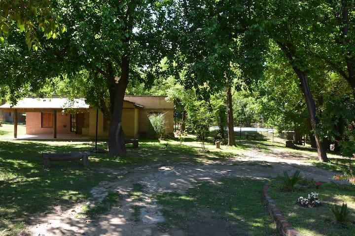 Cabañas Villa Nazaret - 4 Personas - - Alta Gracia - Alojamento na natureza