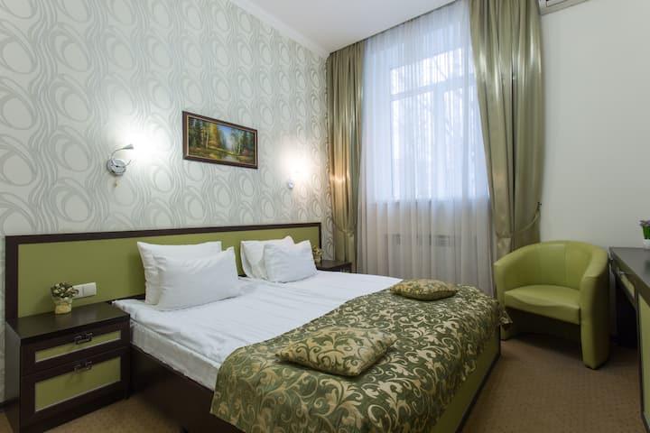 Уютный  номер комфорт в центре Харькова