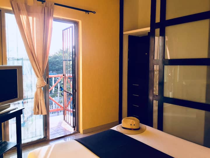 Coco's room with bathroom, A/C and POOL - 5