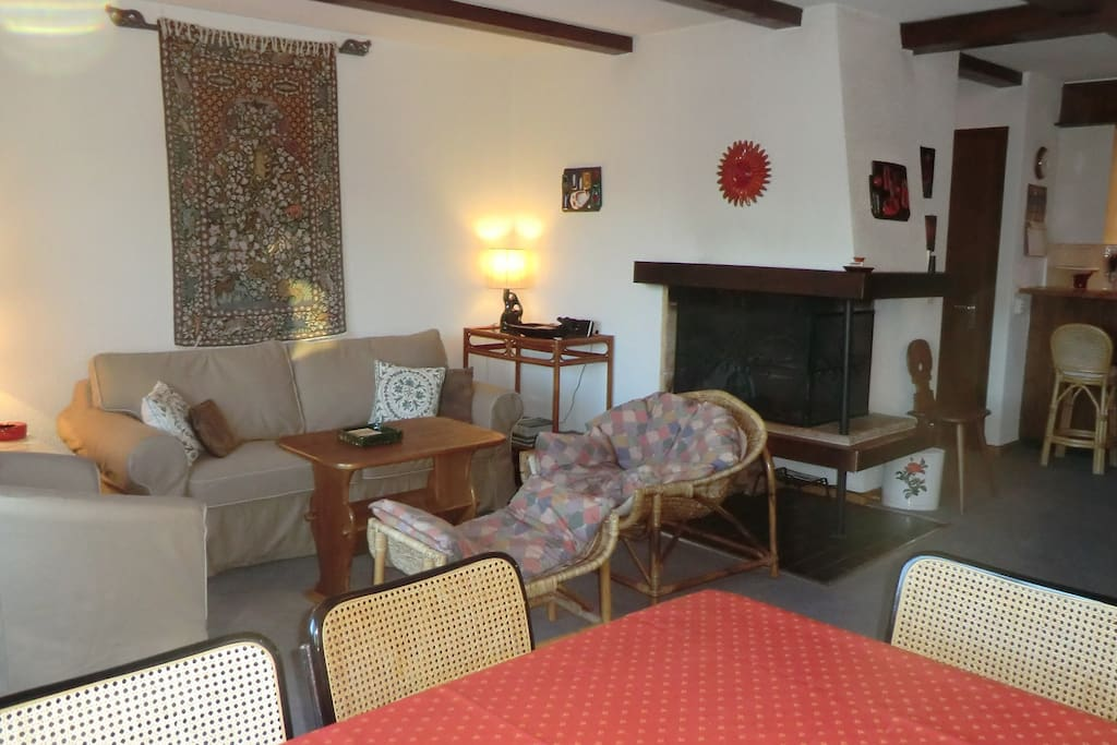 Spacious open plan sitting and dining area - perfect for enjoying the stunning views and relaxing