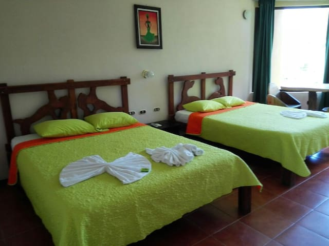 The Best Arenal Volcano View Rooms - ลาฟอร์จูน่า - ที่พักพร้อมอาหารเช้า
