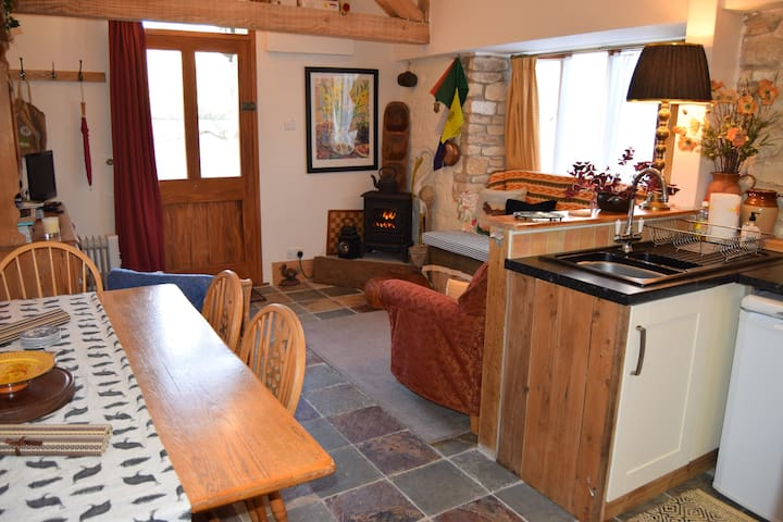Barrel Store Cottage, a warm, snug, rural retreat - Marnhull - Дом