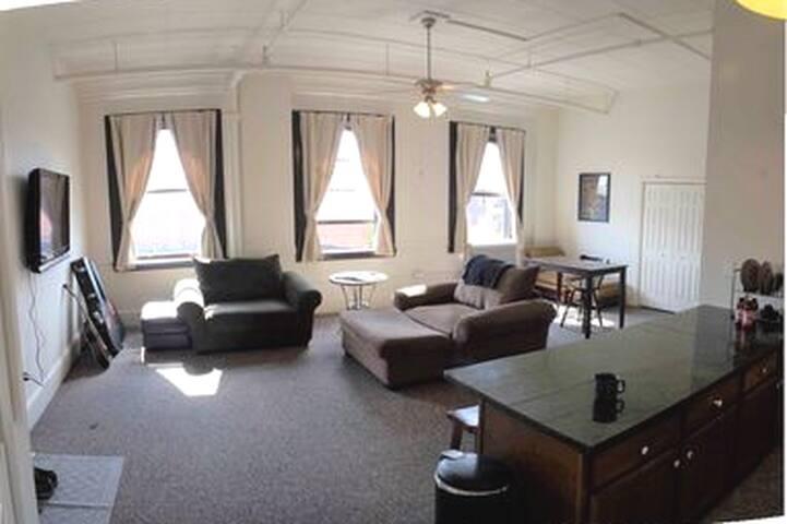 Amazing Apartment on Broadway!