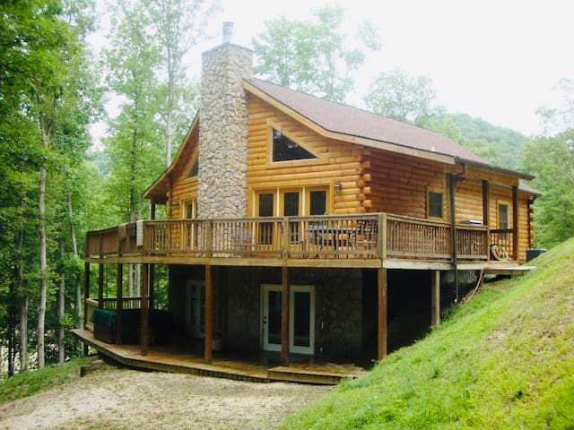 Eagle View Cabin RRG - hot tub, no cleaning fees!