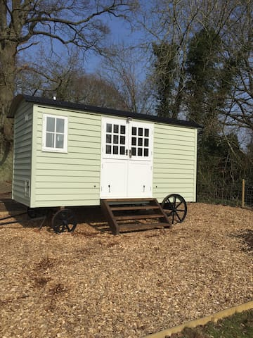 Bucks Green Place Shepherds Hut - Rudgwick - Hut