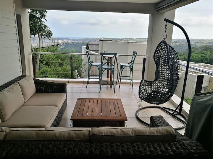Stylish & cosy apartment in Plettenberg Bay.
