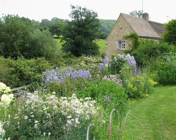 Neathwood Cottage, Tetbury (H184)