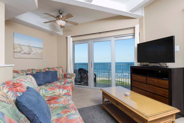 Aquarius 605 - Amazing Sunrise View, Beachfront Condo, Pool, Hot Tub, BBQ Area