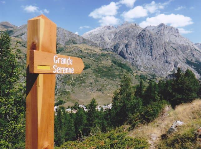 Vue imprenable sur la montagne - Saint-Paul-sur-Ubaye