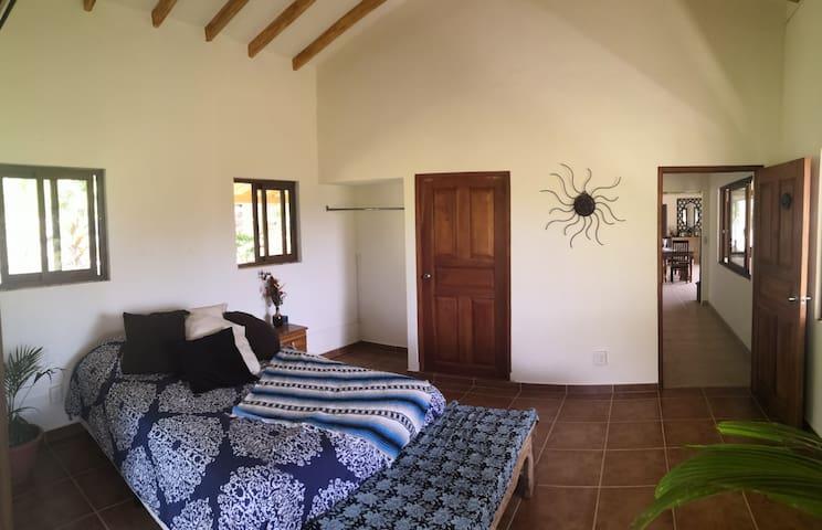 Teyuna Village Farmhouse (Sunset Room)