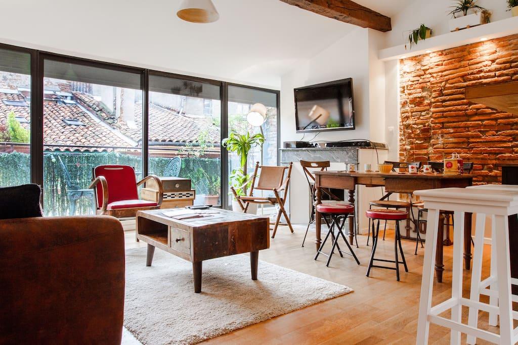 loft carmes terrasse hypercentre appartements louer toulouse midi pyr n es france. Black Bedroom Furniture Sets. Home Design Ideas