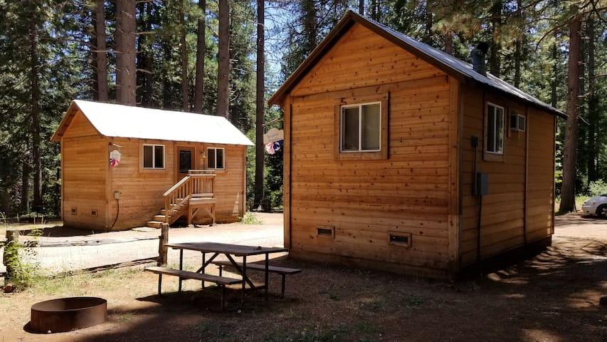 Camping Cabin D, Living Springs RV & Cabins Resort