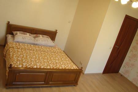 Комфортная квартира в центре на выгодных условиях - Babrujsk - Daire