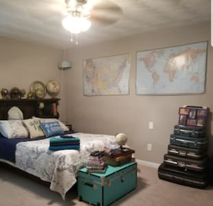 World Traveler Room in Chesapeake!