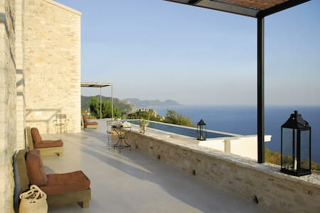 Modern stone house with stunning sea view - Corfu - Hus