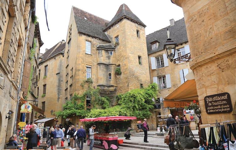 Aux portes de LASCAUX 4 un Panorama en Périgord - Les Farges - House
