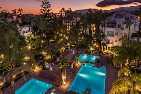 Puerto Banus, La Alcazaba Banus Resort. - Marbella