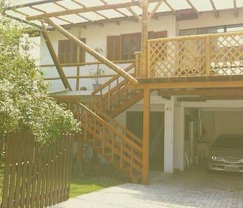 Sua casa de praia no Santinho. - 플로리아노폴리스