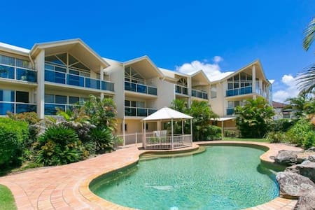 Stunning Moreton Bay Views - boutique apartment!