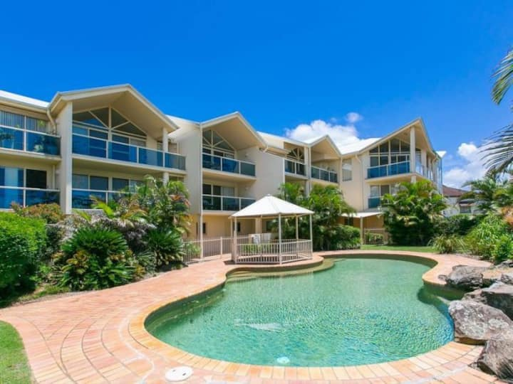 Stunning Moreton Bay Views - boutique apartment!