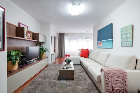 Stylish Apartment with Parking & Pool - Madrid - Byt