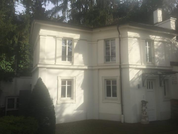 Möbliertes Haus in Bestlage