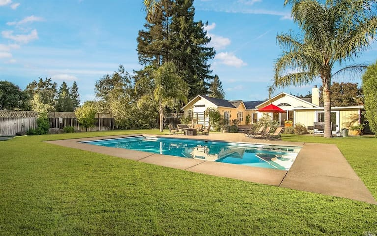 Sonoma Home: 30 Day Rentals Available