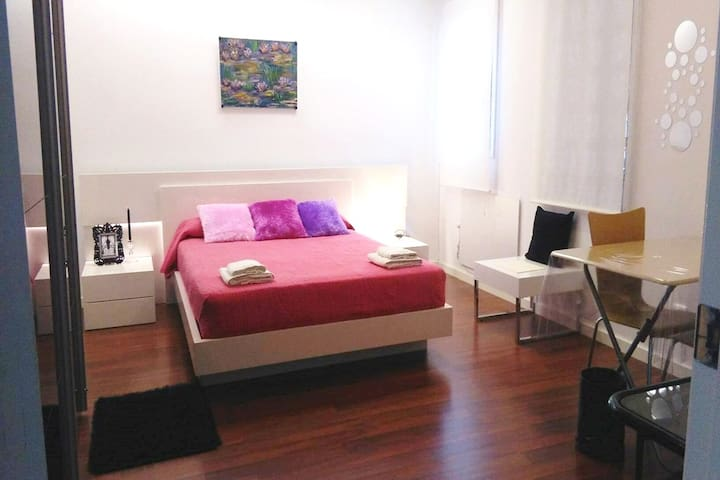 ROOMS IN TARREGA CENTER - Tàrrega - Daire