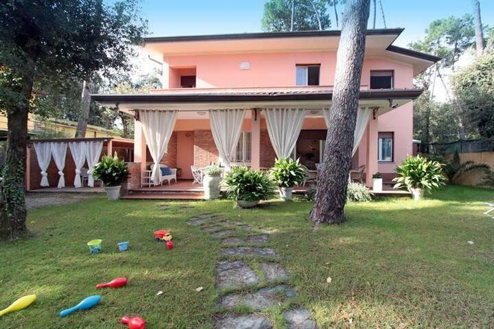 Villa La Lupa