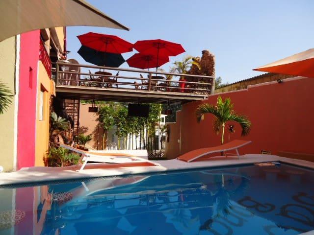 Habitaciones/Piscina/Ideal grupos/HOTEL