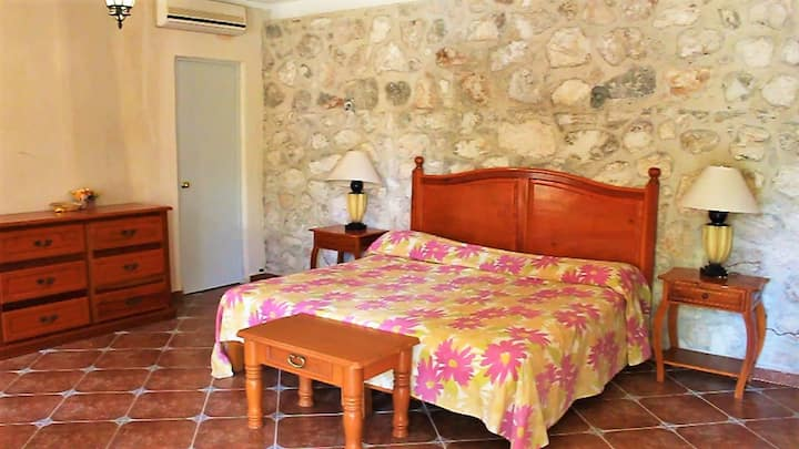 Anahata Bed and Breakfast- Room 2 (King Bed)