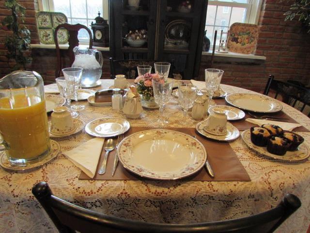 Full sit down breakfast in morning
