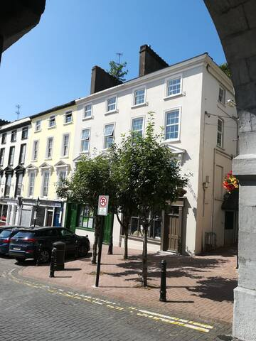Room 1, 6  Casement Square, Cobh, Co. Cork