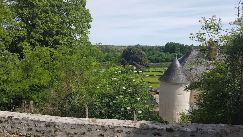 Typical Loire Valley House with Beautiful View