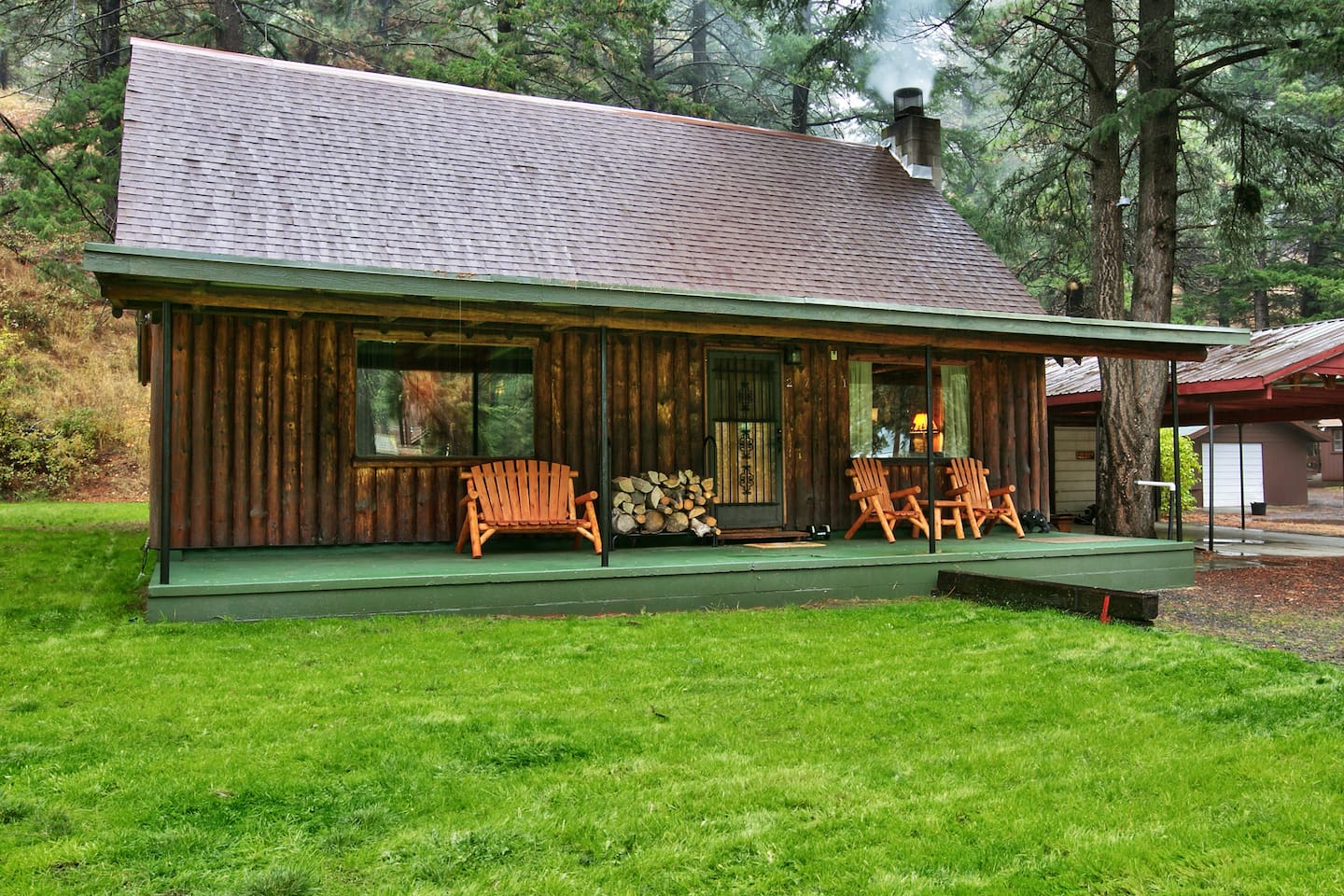 Luxurious log cabin getaway at White Pass - Cabins for Rent in ...