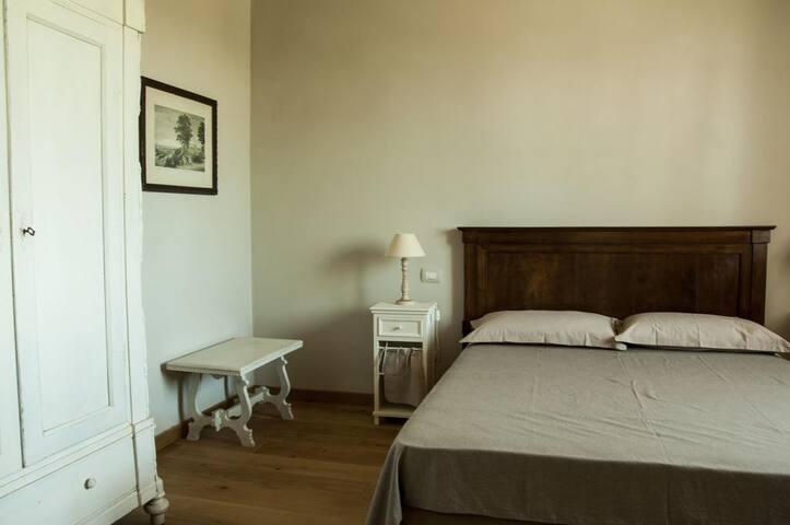 Rondinella Corte San Giacomo - Pozzolengo - Bed & Breakfast