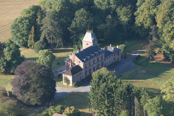 Petit Quartier,  Château de wallay, Ohey