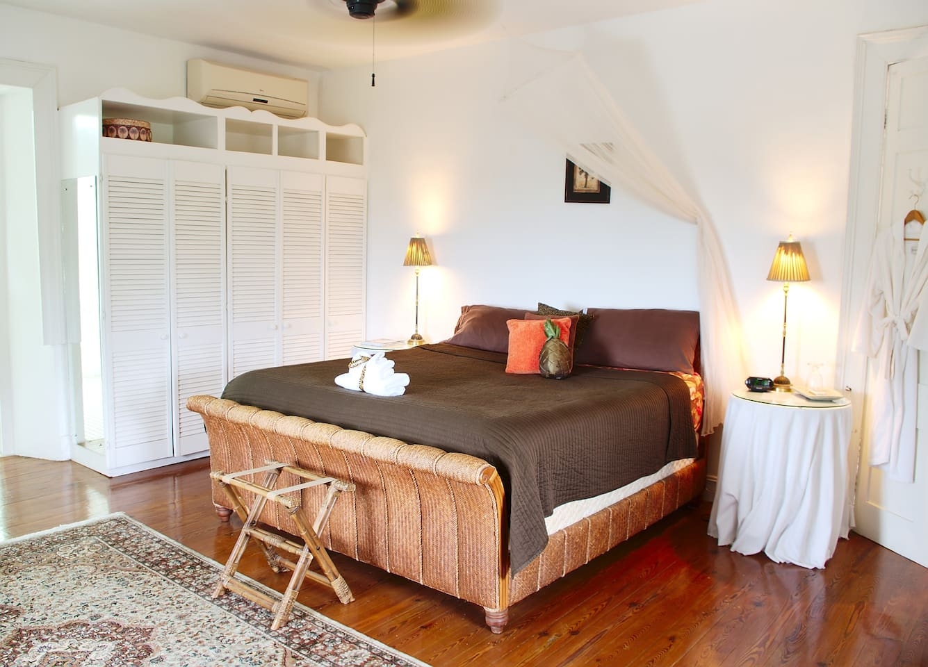The Captain'd Quarters- California King bed with luxury bamboo linens