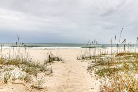 Convenient Gulf front duplex w/shared pool - near the beach, shopping & more!