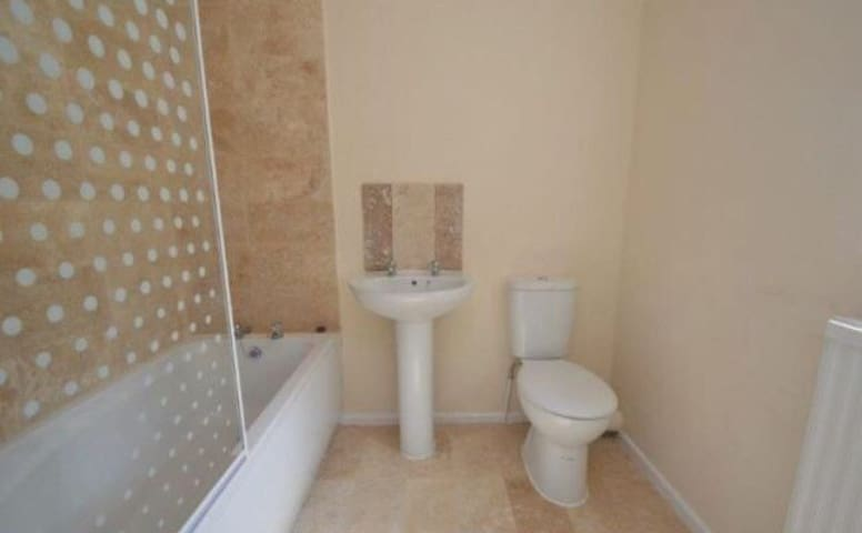 4 bed 4 ensuite mid terrace house - Great Yarmouth - Rumah