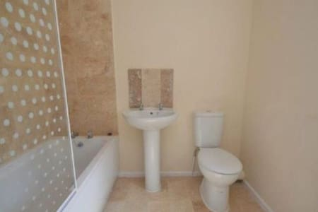 4 bed 4 ensuite mid terrace house - Great Yarmouth