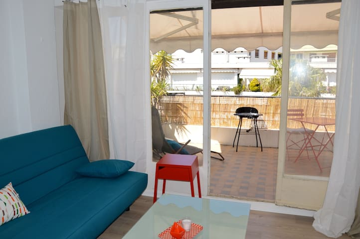 Sweet place 50m from the sea with great patio - Antibes - Apartamento