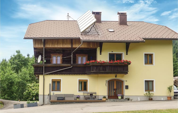 Holiday apartment with 3 bedrooms on 90m² in Fresach