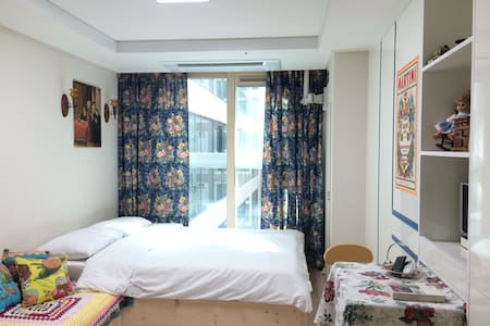 OPEN EVENT, SAVE MONEY! PERFECT DOWN TOWN HOTEL! - Taepyeong-ro, Seogwipo - Apartment - 2