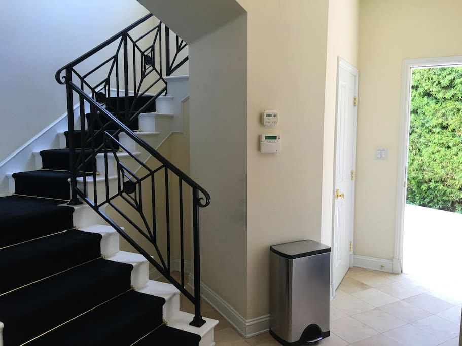 Private floor with direct access to backyard