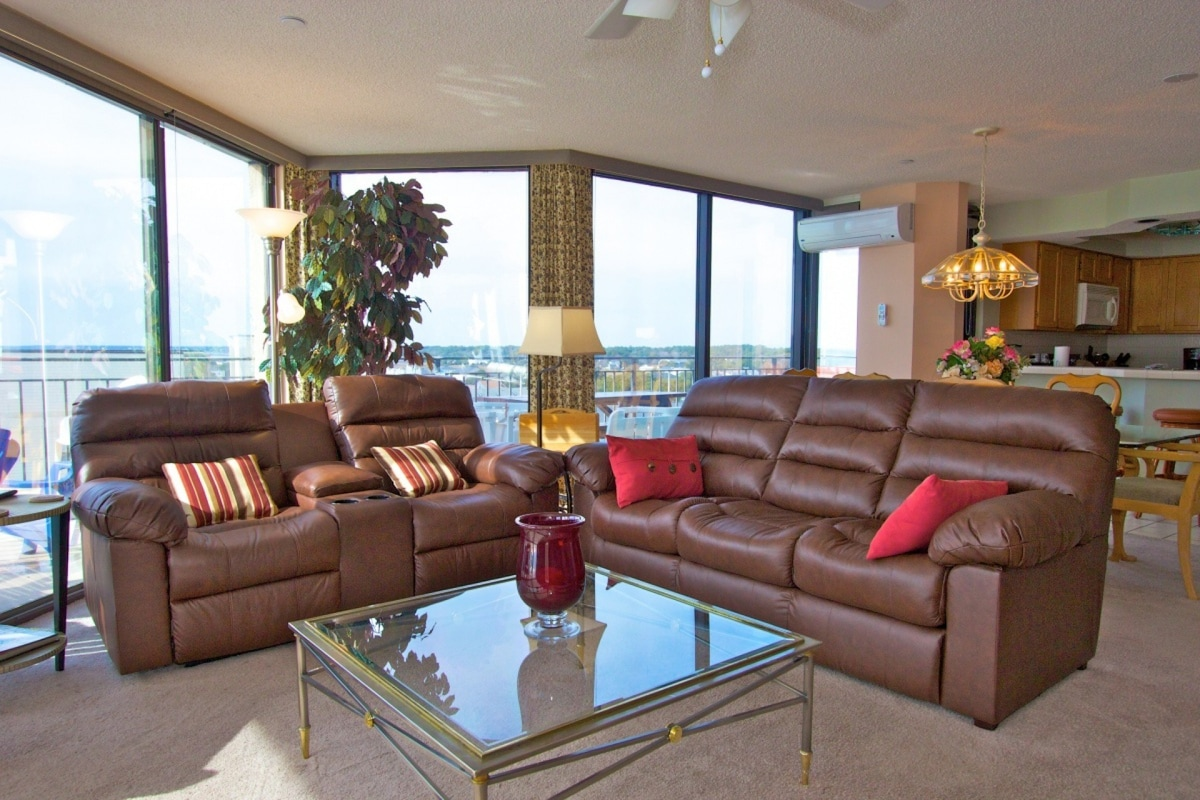 Penthouse Palace At Surfmaster, Private Hot Tub!   Condominiums For Rent In Garden  City, South Carolina, United States
